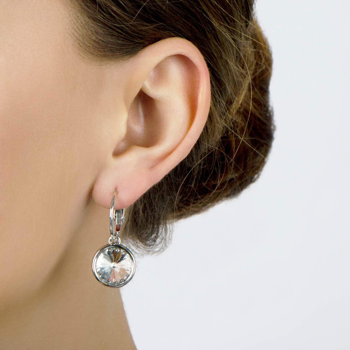 Obelia's 7mm Round Cut Crystal Leverback Earrings