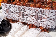 "2 1/2"" Off-White Floral Lace Trim #lace-131"