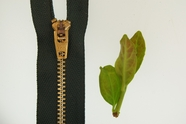 "20"" Green Metal Zipper"