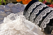 "5/8"" Off-White Scalloped Lace Trim #lace-118"