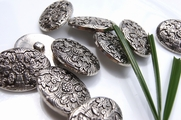 "Floral Embossed Vintage Oval Silver Shank Buttons 1"" x 1 3/8"" inch (6 pcs)"