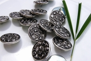 "Silver Embossed Metal Shank Buttons 7/8"" inch (8 pcs)"