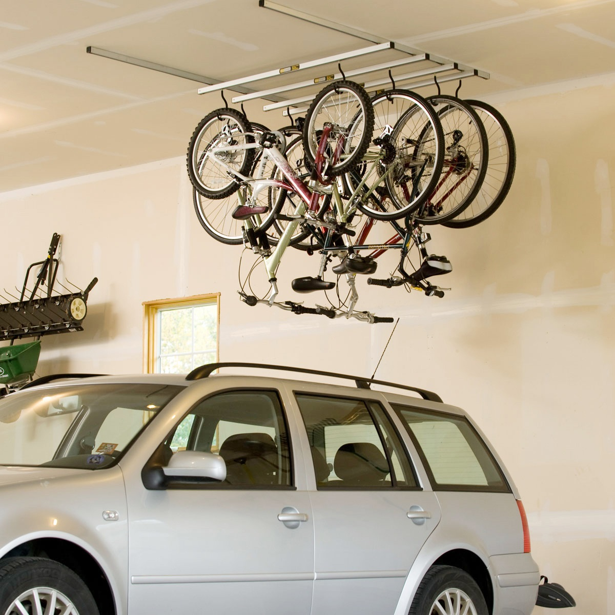 Saris cycleglide 4 bike ceiling storage system for Rack pour garage