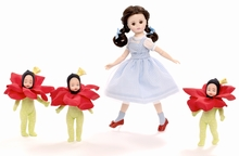 "10"" DORTHY IN THE POPPY FIELDS - incl 3 5"" Poppies"
