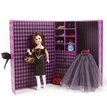 "10"" LITTLE BLACK DRESS CISSETTE TRUNK SET"