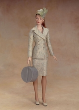 "16"" CENTRAL PARK DISPLAY DOLL"