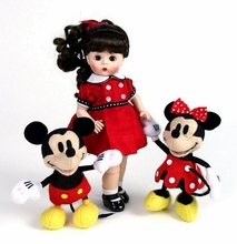 "8"" WENDY LOVES MICKEY & MINNIE"