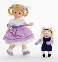 "8"" WENDY LOVES MISS PIGGY"