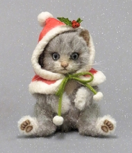 SNOWBALL - R John Wright Christmas Kitten