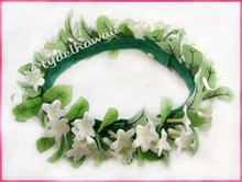 Stephanotis W/Leaves Haku Lei