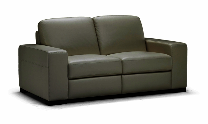 A397 Loveseat in 1576 Lemans Black by Natuzzi