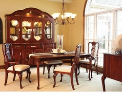 Ann Arden Amish Regal Dining Set