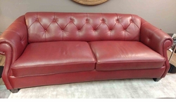 B520 Natuzzi Button Tufted Sofa in Red Leather