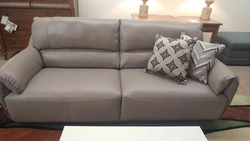 B942 Sofa by Natuzzi in Grey Dream Leather