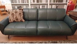 B993 Sofa in Teal Leather