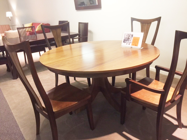 Bassett Custom Round/Oval Dining Set