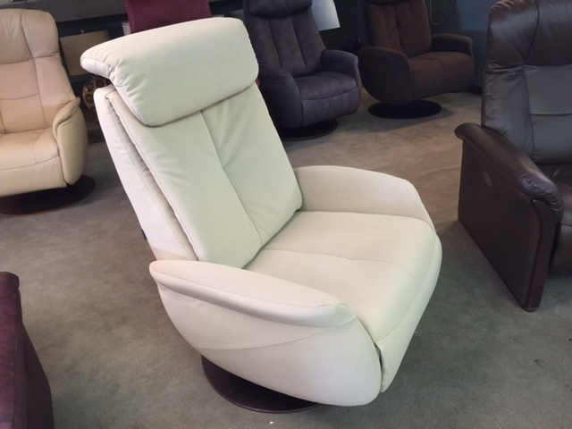 Norwegian Large Swivel Recliner