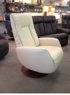 puttegga 3 way swivel recliner