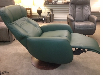 Randers Medium 3 way Swivel Recliner