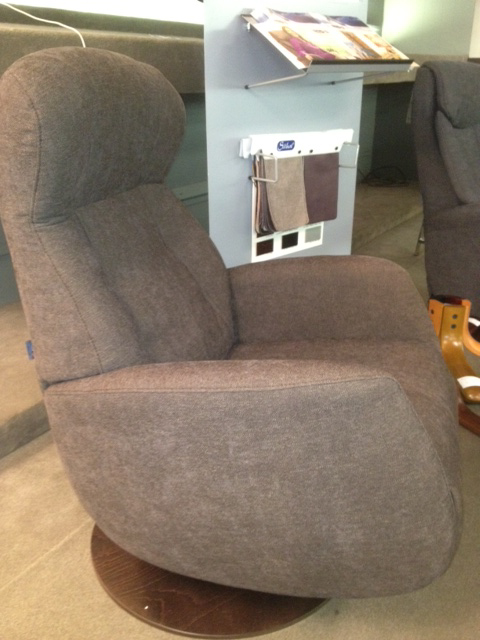 Randers Small Swivel Recliner
