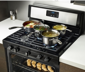 WFG505M0BB Whirlpool 5.1 cu. ft. Freestanding Gas Range with Five Burners - Black