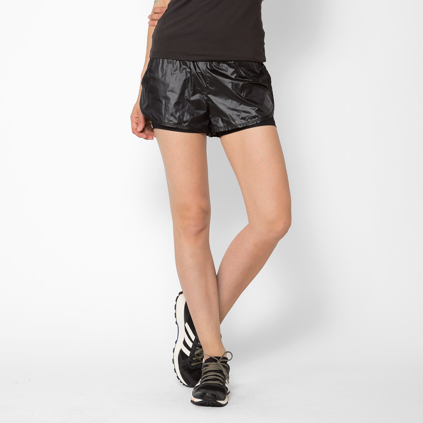 Scout Short in Black. - size S (also in L,M,XS) Koral