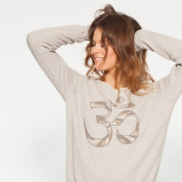 Om Girl OM Sweatshirt in Concrete