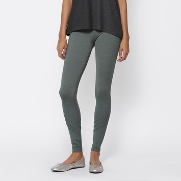 SALE / Tonic Illuminate Legging in Cypress Mist