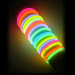 Snap & Glow Illuminating Bracelets (10 Pack)