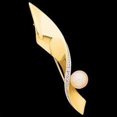 Diamond Accented Pearl Brooch