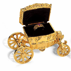 Gold Royal Carriage Ring Holder