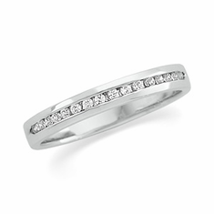 Platinum 1/6 ct tw Round Cut Diamond Anniversary Band