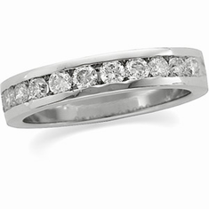 Platinum 3/4 ct tw Round Cut Diamond Anniversary Band