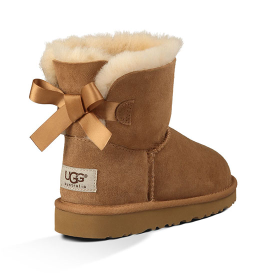 ugg kid 39 s mini bailey bow boot free shipping whatshebuys. Black Bedroom Furniture Sets. Home Design Ideas