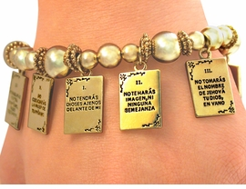 "<Br>                 EXCLUSIVELY OURS!!<BR> W5209B - WONDERFUL GOLD TONE<bR>   SPANISH  ""DIEZ MANDAMIENTOS""<BR>""TEN COMMANDMENTS"" CHRISTIAN <bR>    STRETCH BRACELET ©2005 FROM<br>                      $3.94 TO $8.75"