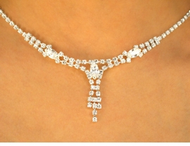 <BR>             LEAD AND NICKEL FREE!!<Br>W9672NE - IMPRESSIVE AUSTRIAN<br>CRYSTAL NECKLACE & EARRING SET<Br>              FROM $21.13 TO $39.00