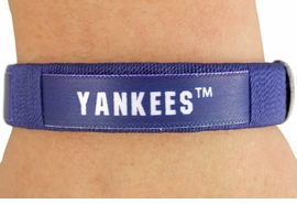 "<BR>          LEAD & NICKEL FREE!!<br>      OFFICIAL MLB LICENSED!<BR>W18346B - ""NEW YORK YANKEES""<Br>         CUFF BRACELET FROM<br>                  $1.99"