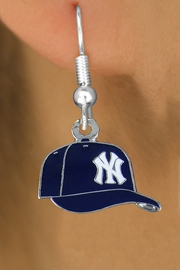 <bR>              LEAD & NICKEL FREE!! <Br>             OFFICIALLY LICENSED!! <Br>     MAJOR LEAGUE BASEBALL LOGOS!! <Br> W20622E - SILVER TONE NEW YORK YANKEES <Br>       LOGO CAP FISH HOOK EARRINGS <BR>        FROM $2.99