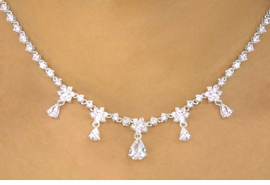 <BR>                   LEAD & NICKEL FREE!!<bR>       W11779NE - GENUINE AUSTRIAN<br>        CRYSTAL FLOWERS & HANGING<Br>TEARDROPS NECKLACE & EARRING SET<Br>               FROM $58.50 TO $108.00