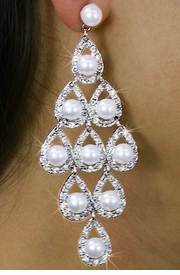 <Br>                LEAD & NICKEL FREE!!<Br>W18329E - VINTAGE STYLE GENUINE<Br> AUSTRIAN CRYSTAL AND SYNTHETIC<Br>        PEARL CHANDELIER EARRINGS<Br>                 FROM $6.75 TO $15.00