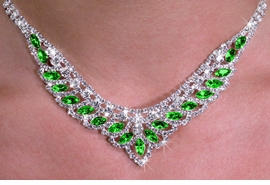 <Br>           LEAD & NICKEL FREE!!<BR>W19907NE - GENUINE AUSTRIAN <Br>SPARKLING GREEN CRYSTAL LOVELY <BR>DESIGN NECKLACE & EARRING SET <br>          FROM $7.85 TO $17.50