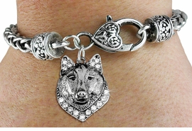 <BR>  WHOLESALE ANIMAL FASHION JEWELRY <bR>                   EXCLUSIVELY OURS!! <Br>              AN ALLAN ROBIN DESIGN!! <BR>        LEAD, NICKEL & CADMIUM FREE!! <BR>   W1535SB - ANTIQUED SILVER TONE AND <BR>CLEAR CRYSTAL WOLF HEAD CHARM <BR>      ON HEART LOBSTER CLASP BRACELET <Br>        FROM $5.98 TO $12.85 �2013