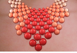 <br>WHOLESALE FASHION BEADED NECKLACE <BR>       CADMIUM, LEAD & NICKEL FREE!! <BR> W20732NE - GOLD TONE LACED CORAL <BR>AND BEIGE TONE LARGE BEADED DESIGN <BR>  NECKLACE WITH MATCHING EARRINGS <BR>          FROM $10.69 TO $23.75 �2013
