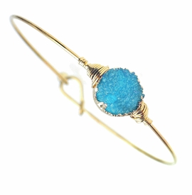 <BR>     W29478B12 - EXCITING NEW FASHION JEWELRY EXCLUSIVE <BR>  TURQUOISE NATURAL GEODE CRYSTAL MIRACLE WIRE BRACELET <BR>    ADJUSTABLE GOLD TONE WIRE WITH BALL AND HOOK CLASP<BR>                     NO NICKEL, LEAD, OR POISONOUS CADMIUM.  <br>                              BUY THIS BRACELET FOR $10.00 EACH