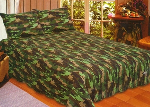 100% Cotton Filled Queen Size Camouflage Quilt in Green by American Hometex