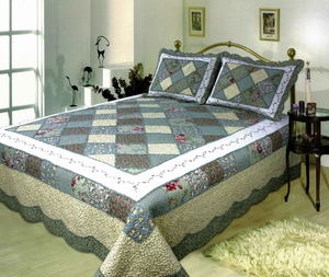 Ahsley handmade quilt with striking white border queen size Brand Elegant decor