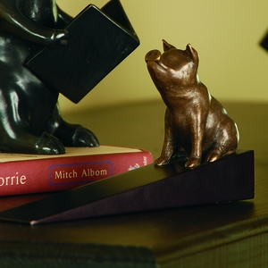 Doorstop with Attentive Sitting Pig Figurine in Brass by SPI-HOME