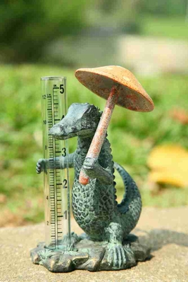 Gator With Umbrella Rain Gauge Brings Coastal Life To Garden Brand SPI-HOME