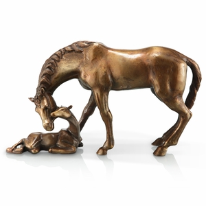 Parent Mare and Newborn Foal in Brass by SPI-HOME