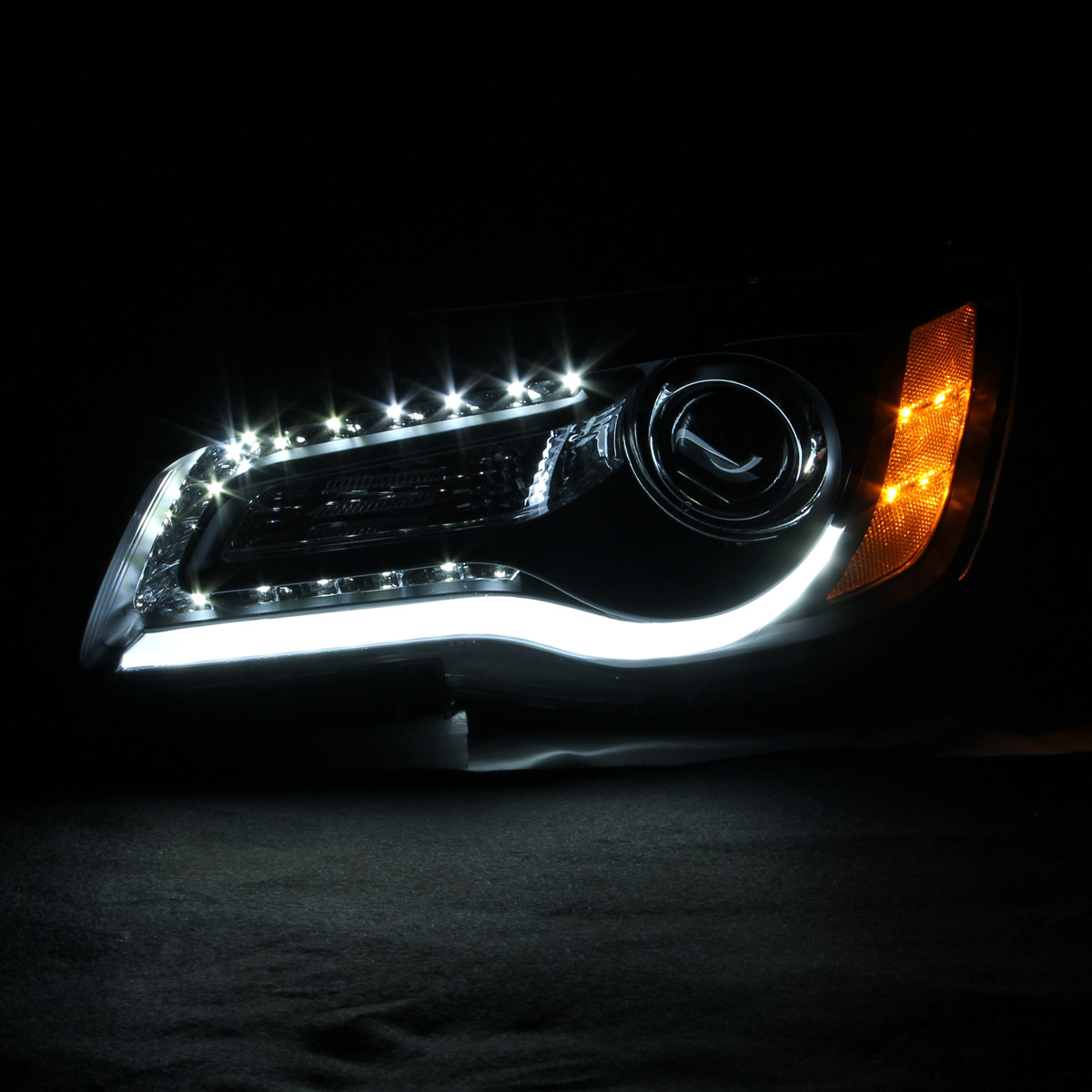 HID Xenon + 2011-2014 Chrysler 300 (Halogen Model) LED DRL